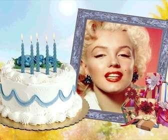 Cornice per foto con torta di compleanno e regali.