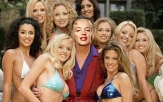 Fotomontaggio che si sarà Hugh, circondato da ragazze di Play Boy.