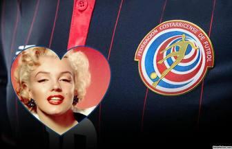 Montage di mettere la tua foto accanto alla maglia e il logo della squadra di calcio del Costa Rica