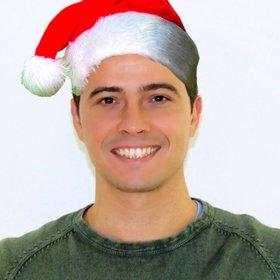 Fotomontaggio di mettere un tappo di Natale nella tua foto on-line senza conoscenze di progettazione.