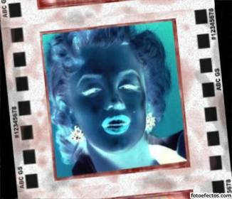 Effetto negativo per le foto. Inverte i colori e pone la vostra foto nella cornice di un negativo rivelato.