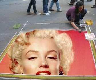 Fotomontaggio di inserire la vostra immagine nel pavimento dipinto da un artista di strada.