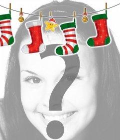 Photo frame con decorazioni stile stufa di Natale con calze di Natale. Effetto