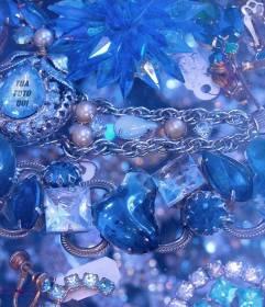 Gioco per trovare il tuo volto in uno di questi diamanti blu e pietre preziose