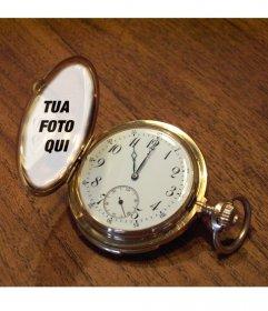 Fotomontaggio con un orologio da tasca su un tavolo di legno dove si pu fotoeffetti - Dove comprare un leggio da tavolo ...