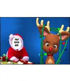Carino fotomontaggio di vestire come un bambino con il Babbo Natale costume