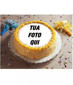 Fotomontaggio con coriandoli di partito e una torta di compleanno con la tua foto posto su di esso