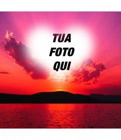 Fotomontaggio di un tramonto con un cielo rosa e una cornice a forma di cuore dove si può mettere una foto