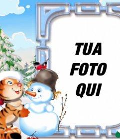 Bambini Cartolina di Natale decorato con una tigre che gioca con un pupazzo di neve