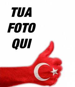 La vostra immagine del profilo con il pollice alto e bandiera della Turchia