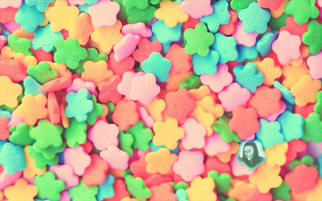Childrens gioco per individuare una foto in un mucchio di caramelle